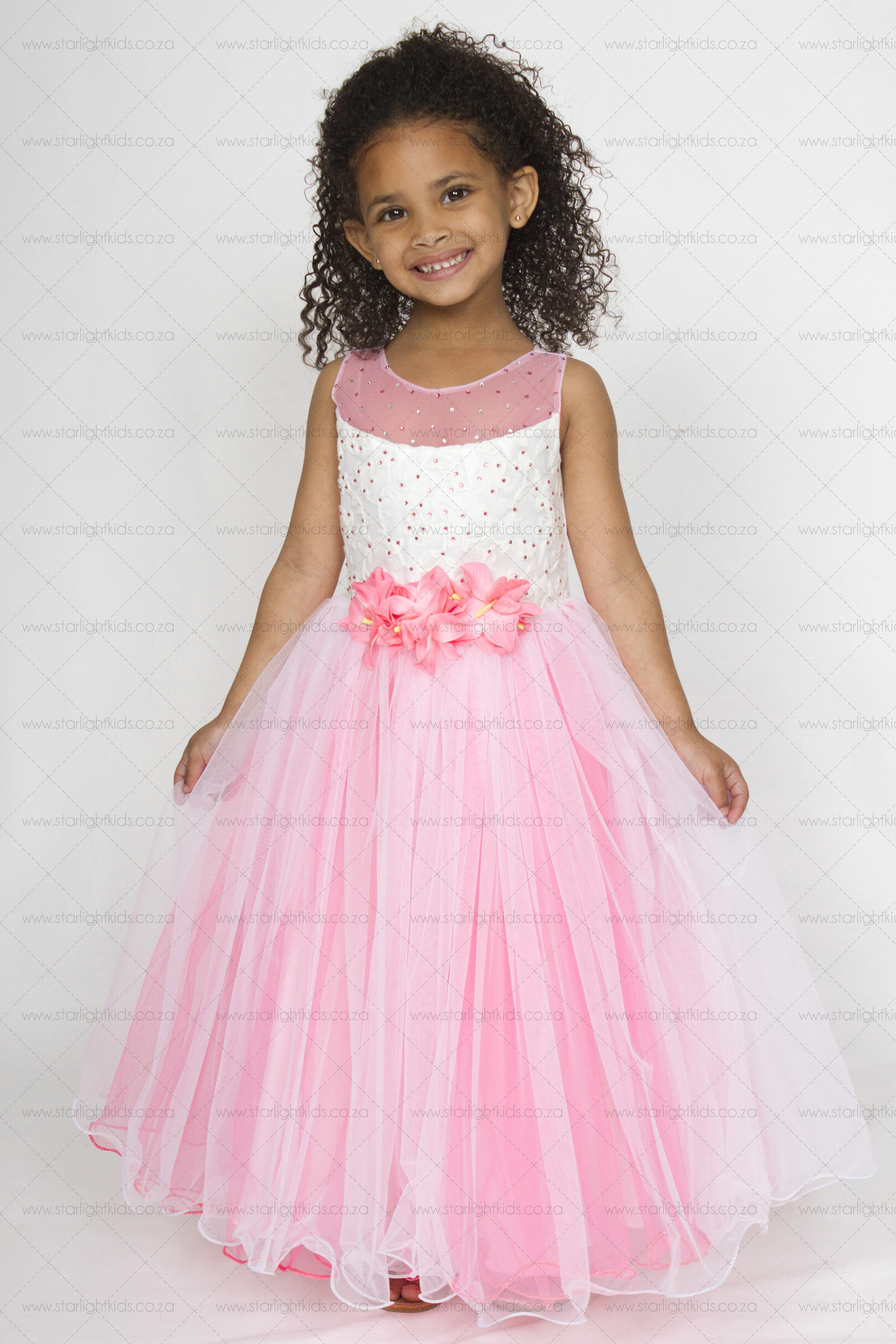 8ca64f489a1d74 girl pink and white party dress