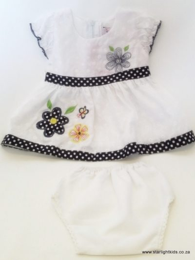 Infant white cotton dress and panty with blue detail 2