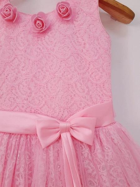 Flower girl pink dress close
